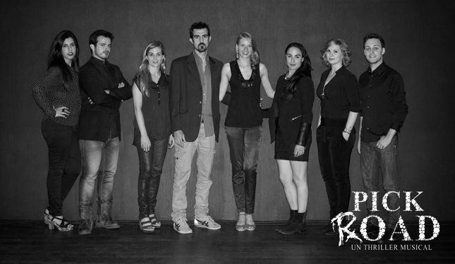 De izquierda a derecha: Anna Aneas, Agustín González, Anna Ferran, Rai Borrell, Paula Arbós, Anna Lagares, Laura Montero, Jordi Masegur.